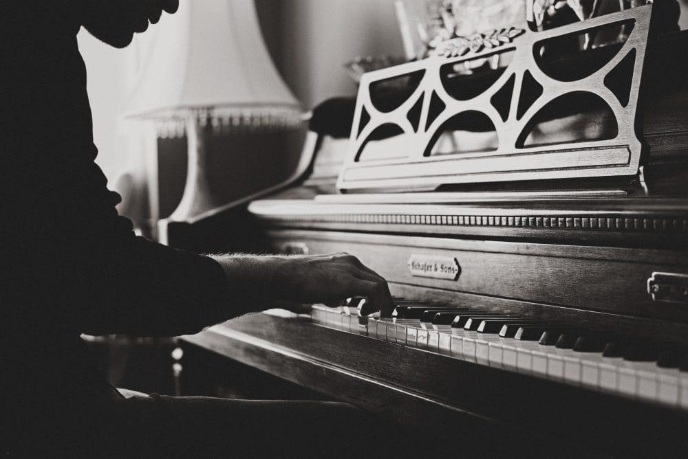 monoTone old Piano